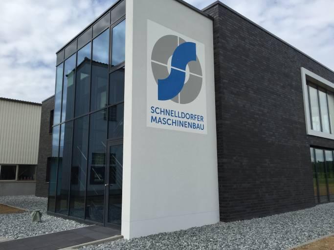 Die Einweihung der neuen Verwaltung von Schnelldorfer Maschinenbau ist der vorläufige Höhepunkt der rasanten Geschäftsentwicklung. (Bild: Schnelldorfer Maschinenbau)