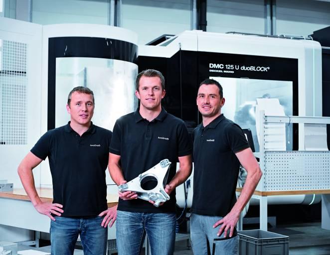 Christoph Hauck (links), Geschäftsführer toolcraft mit den für Porsche zuständigen Projektleitern Stefan Auernhammer (Mitte) und Robert Renner.