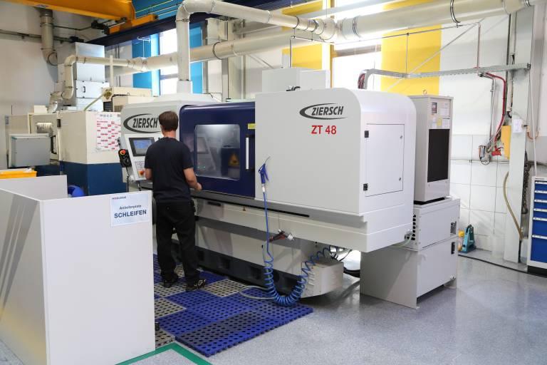 Die im April diesen Jahres in Betrieb genommene neue Ziersch ZT 48 war bereits am ersten Tag im produktiven Einsatz.