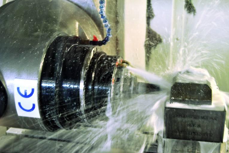 Auf den Fräs-Bearbeitungszentren von MTRent werden im Dreischicht-Betrieb Bauteile gefertigt. Das stellt höchste Ansprüche an die Stabilität und Belastbarkeit der Maschinen.