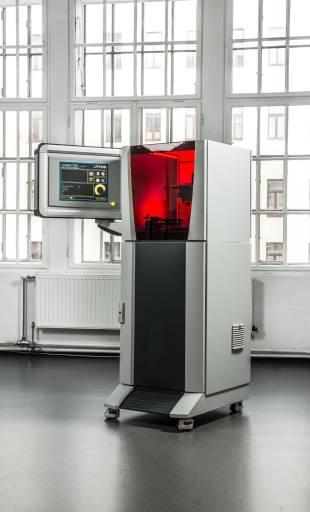 Der CeraFab 7500, das additive Fertigungssystem von Lithoz.