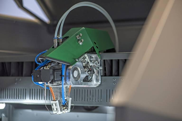 Der neue HAGE Druckkopf zeichnet sich durch höhere Leistungsfähigkeit bei exakterer Materialplatzierung aus.