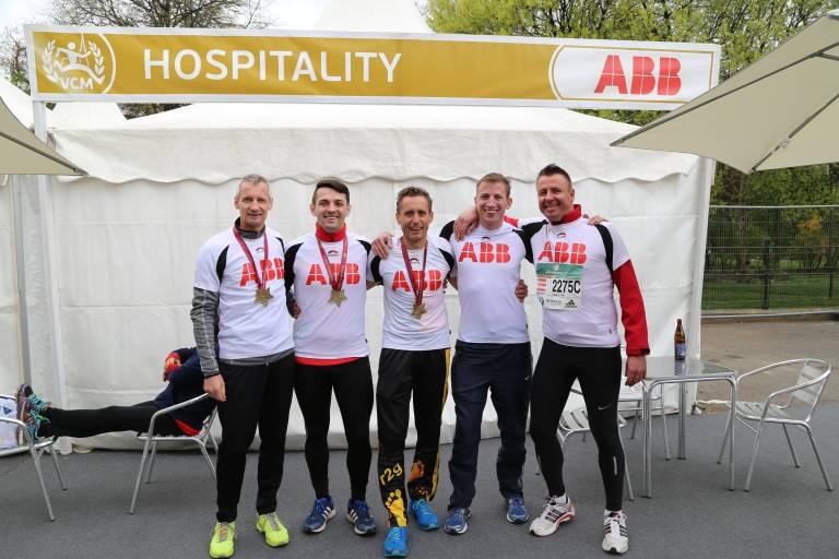 Gratulation an die Finisher Martin Moosbacher, Mario Jozic, Manfred Gloser, Benjamin König und Christian Laister.
