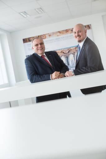 V.l.n.r.: Die neue Geschäftsführung von SICK Österreich: Ing. Helmut Maier mit DI (FH) Christoph Ungersböck.