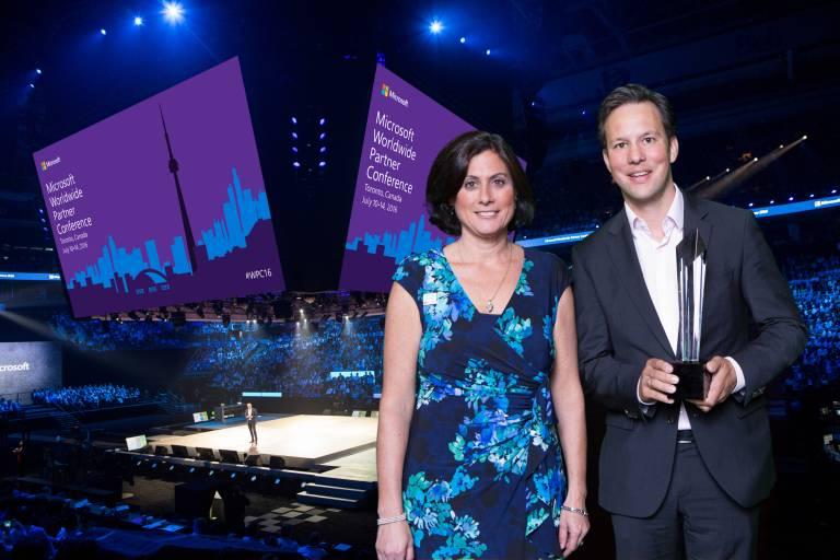 V. l.: Gavriella Schuster, General Manager, Worldwide Partner Group, Microsoft Corp und Phillip Werr, Copa-Data Marketing Manager bei der Preisverleihung in Toronto.