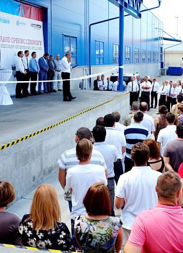 In rund acht Monaten Bauzeit wurde das Werksgelände der Fertigung in der Slowakei auf ca. 19.000 m2 erweitert.