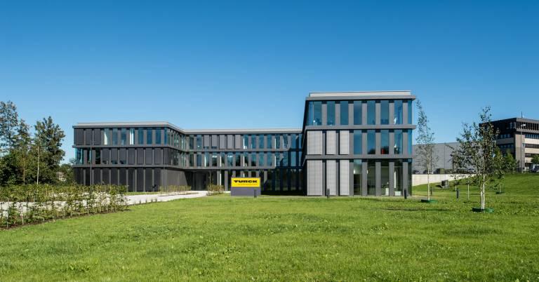 Turck investierte am Standort Mülheim EUR 13 Mio. in eine Vertriebs- und Marketingzentrale.