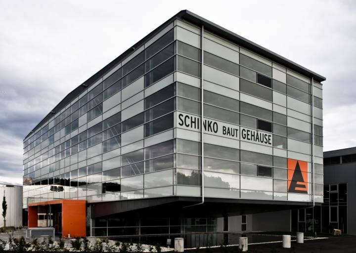 Eine Umsatzsteigerung von 11 % im Geschäftsjahr 2015/2016 verzeichnet der Schaltschrank- und Gehäusetechnik-Spezialist Schinko aus Neumarkt/Mühlkreis.