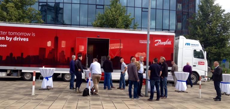 Das Danfoss Drives Team freute sich über reges Interesse beim Truck Stop.