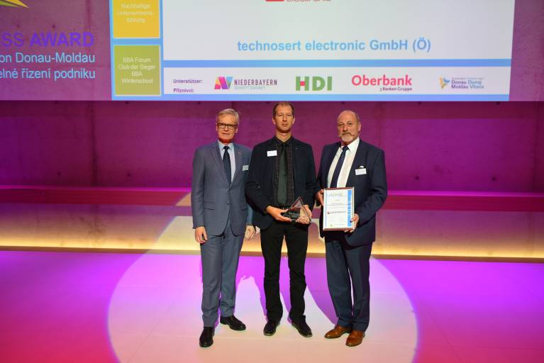 Die technosert electronic wurde im Rahmen des Best Business Awards in der Kategorie über 100 Mitarbeiter mit dem 1. Platz ausgezeichnet.