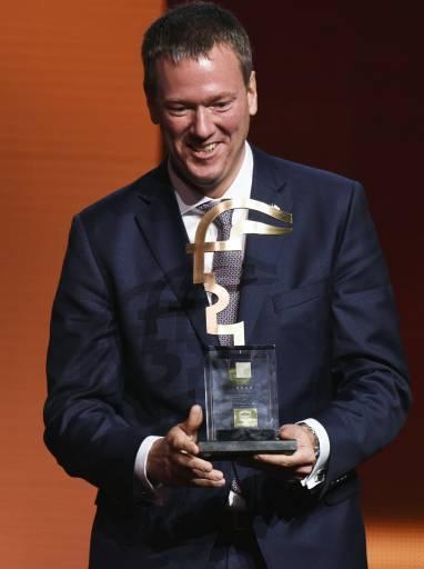 Vorstandsvorsitzender Philip Harting freut sich, dass die Technologiegruppe mit der HARTING MICA den HERMES AWARD gewinnen konnte.