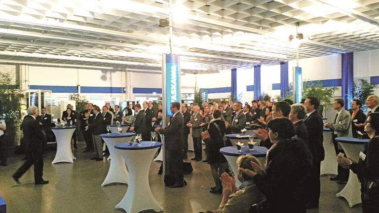 Rund 200 Festgäste feierten das 100. Firmenjubiläum von Yaskawa. (Bild: Yaskawa).