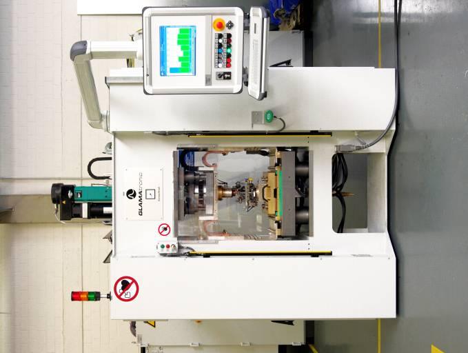 KE-Schweißanlage von GLAMAtronic in Portalausführung.