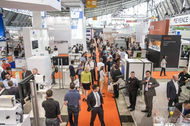 Ca. 200 Aussteller zeigen auf der LASYS die Einsatzmöglichkeiten des Lasers in der Materialbearbeitung.