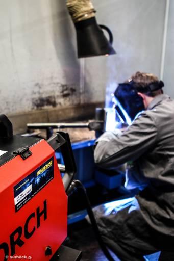 Mit den neuen Schweißgeräten von Lorch wird den Kursteilnehmern modernste Prozesstechnik zur Verfügung gestellt.
