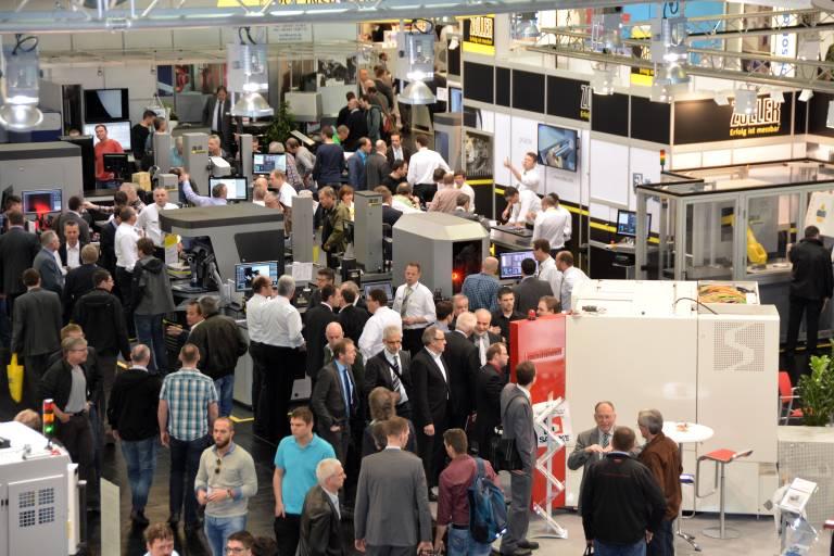 Die 10. Auflage der weltweit führenden Fachmesse für Schleiftechnik toppt alle bisherigen Veranstaltungen. 560  Unternehmen präsentieren auf der GrindTec 2016 das bislang größte Angebot an Schleiftechnik.