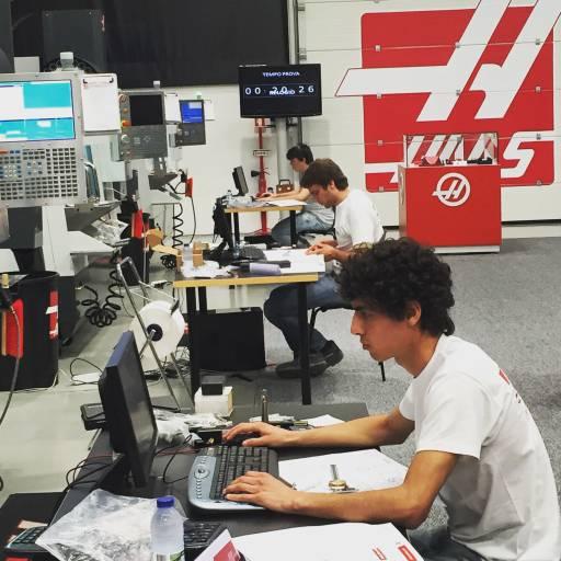 Das HTEC-Programm verfolgt das Ziel, den Schülern eine fachspezifische, technisch hochwertige und praxisnahe Ausbildung anzubieten, so dass einsatzbereite CNC-Maschinenbediener, Programmierer und Techniker für die Arbeitgeber in der modernen Industrie zur Verfügung stehen.