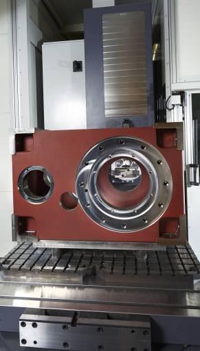 Hochpräzise Bearbeitung anspruchsvoller Werkstücke mit dem Genauigkeitsbohrwerk KG – hier ein Getriebegehäuse.