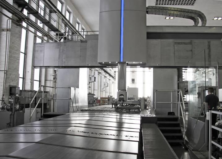 Die neue Baureihe für kleinere bis mittlere Werkstücke hat sich bereits bewährt: Die Maschinenfabrik Herkules Meuselwitz setzt eine ProfiMill mit festem Querbalken und festem Fräskopf mit hervorragenden Ergebnissen in der Bearbeitung von Maschinenkomponenten ein.