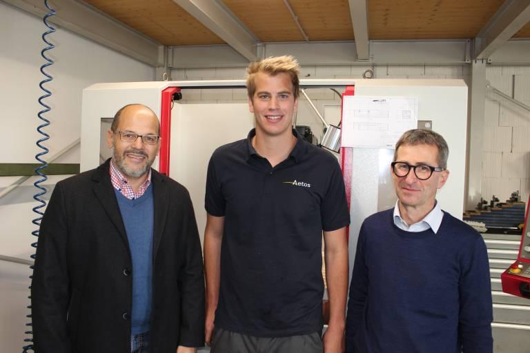 Zufrieden mit der Zusammenarbeit (v.l.n.r.): Hermann Morandell, Außendienstmitarbeiter bei Schachermayer, Christian Nachbauer sowie Michael Broger von der Aetos Maschinenbau GmbH.