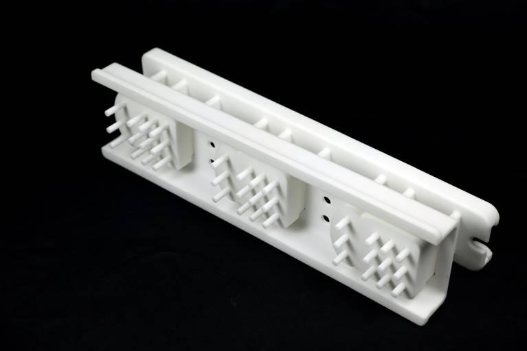 Ein Formkolben, gedruckt am ProX 500 SLS 3D Drucker von 3D Systems.