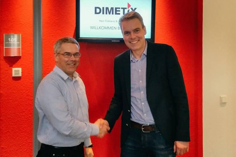 V.l.n.r.: Stefan Taeschler, Geschäftsführer der Dimetix AG, und Reinhard Lülff, Geschäftsführer der Welotec GmbH, freuen sich über die neue Vertriebspartnerschaft.