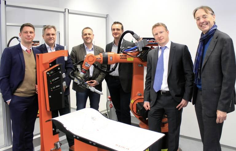 Die Vision von Kuka und dem bfi ist es, den Roboter als intelligenten Helfer des Menschen in der Produktion zu etablieren.