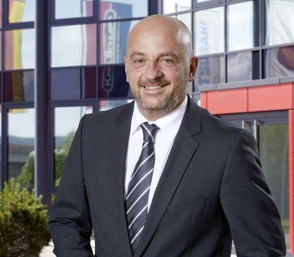 Peter Sebastian Pütz vertritt Tsubaki Kabelschlepp als Head of Crane Business, Business Development im EDI-Komitee des internationalen Verbands der Hafenausrüster PEMA.