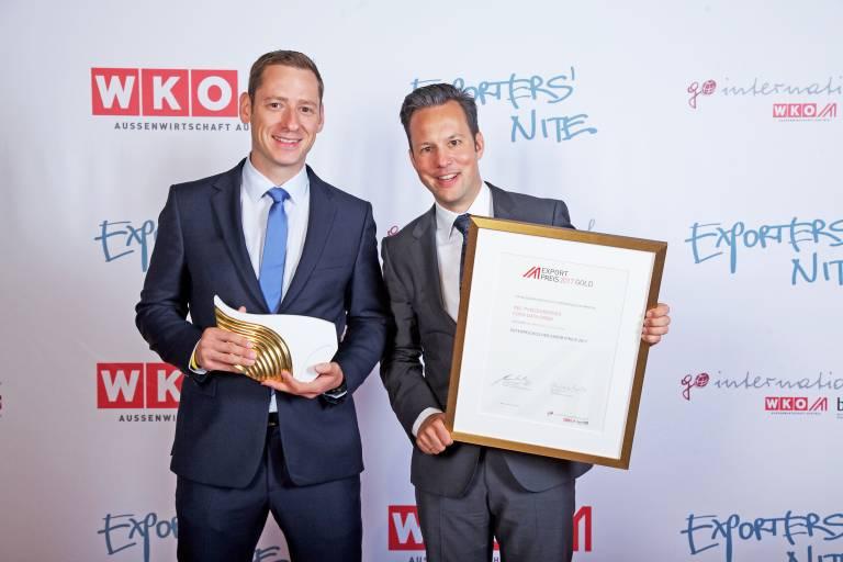 Bei der Exporters´ Nite in Wien ging Platz 1 des Österreichischen Exportpreises 2017 in der Kategorie Information und Consulting an den Salzburger Softwarehersteller Copa-Data. Im Bild: Stefan Reuther, CSO (links) und Phillip Werr, CMO/COO.