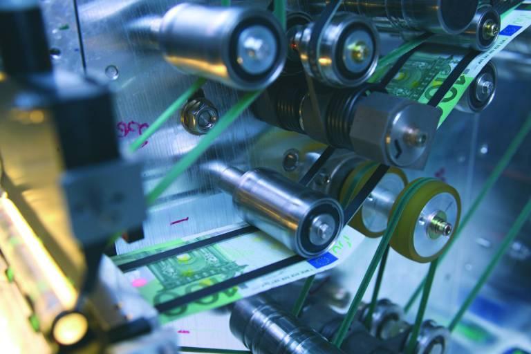 Mit einer Übertragungsgeschwindigkeit von 100 MBit/s und einer Synchronisationsgenauigkeit von +/- 100ns lassen sich selbst anspruchsvollste Aufgaben in der Hochleistungsbildverarbeitung für den Maschinenbau mittels POWERLINK realisieren.