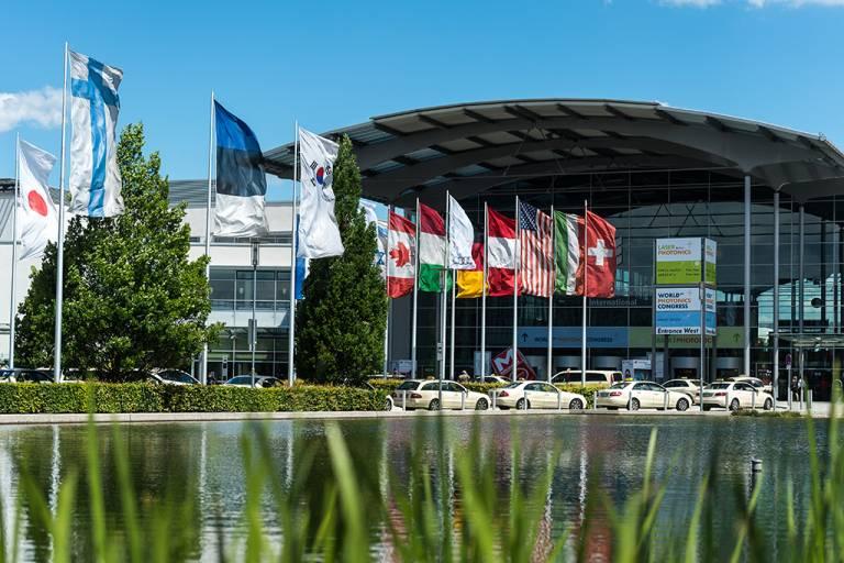 Die Laser World of Photonics, die Weltleitmesse für Komponenten, Systeme und Anwendungen der Photonik, findet seit 1973 in München statt.