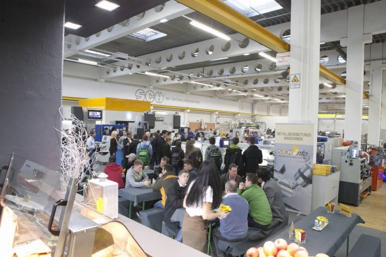 In gewohnter, angenehmer Atmosphäre erwartet die Besucher das volle Leistungsspektrum der maschinellen Metallverarbeitung.