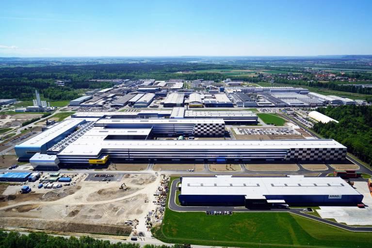 Mit der Errichtung des modernsten Aluminium-Kaltwalzwerks Europas in Ranshofen bekennt sich die AMAG einmal mehr zum Standort Oberösterreich. (Foto: AMAG)