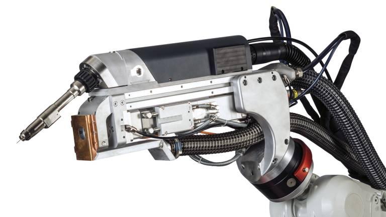 Das Kernstück des Schweißsystems ist der kompakte LaserHybrid-Kopf mit integriertem MIG/MAG-Schweißbrenner und eingebauter Laseroptik. (Bilder: Fronius International)