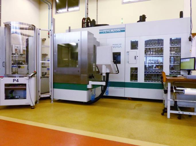 Mit der VERSA 825 von Fehlmann hat man bei Nedinsco mittlerweile in zwei Schichten, inklusive mannloser Zeiten, die 5.000 Maschinenstunden im Jahr erreicht.