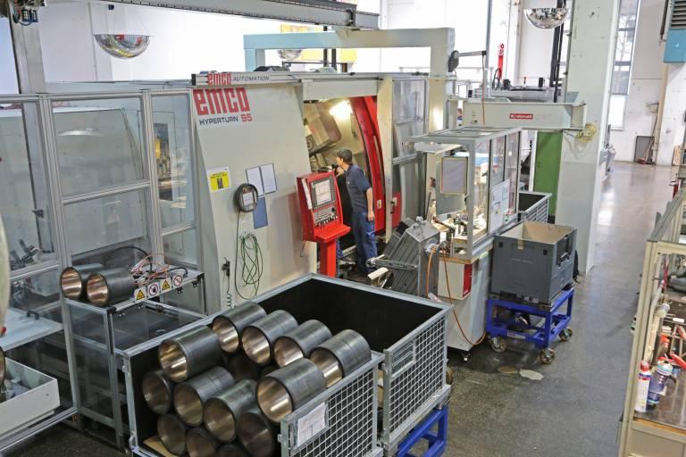 Die Emco Hyperturn 95 ist die bislang größte Maschine in der Abteilung Gleitlager und Anlaufringe bei Miba. Sie ermöglicht die Bearbeitung von Werkstücken bis 400 mm Durchmesser.
