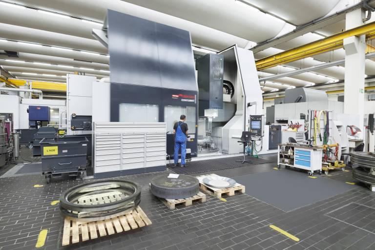Positiver Überraschungseffekt: Die Produktionsabteilung von Windmöller & Hölscher nimmt auf die neue CONTUMAT mittlerweile auch Werkstücke, die vorher nicht eingeplant waren.