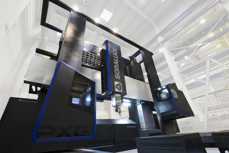 Die PXG-W ist eine flexibel einsetzbare Multifunktions-Lösung, die Fräs- und Drehbearbeitungen auf derselben Maschine ermöglicht.