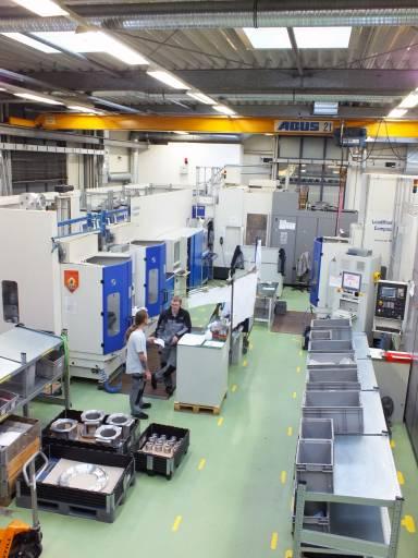 Mit dem 5-Achs-Bearbeitungszentrum FP 4000 von Heller definiert man Funktionalität und Flexibilität bei Schleifring neu.