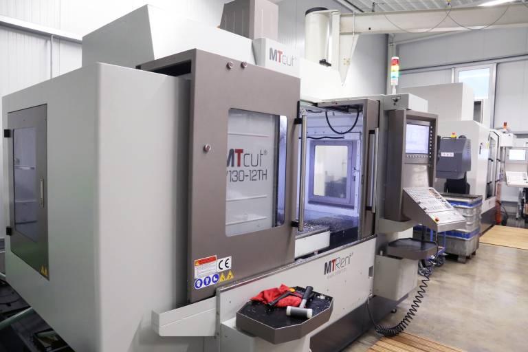 Die Firmengründer der Feldkircher DNS-Fertigungstechnik sind mit zwei CNC-Fräsmaschinen von MTRent in die Selbständigkeit gestartet. Vor allem die Flexibilität sowie die hohe Stabilität und Genauigkeit haben überzeugt.