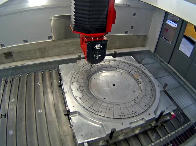 Die bei WFT installierte Flymill HD ist eine Hochgeschwindigkeits- und Hochleistungsfräsmaschine mit 5-Achsen mit kontinuierlicher Interpolation – ideal zum hochgenauen Bearbeiten von Teilen aus Superlegierungen, Stahl und Aluminium mit komplexer, dreidimensionaler Form.