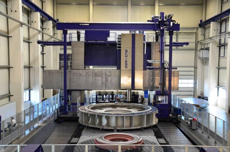 Großbearbeitungszentren der Reihe Vertimaster 3-12 gehören zu den größten Werkzeugmaschinen der Welt – hier im Bild eine VMG 6.