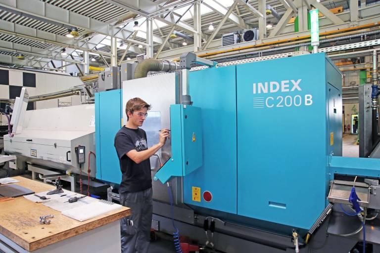 Die Index C200 ist die neueste Investition von GE in Jenbach im Bereich der CNC-Produktionsdrehautomaten. Diese wurde speziell für die hochproduktive Serienbearbeitung komplexer Bauteile angeschafft.