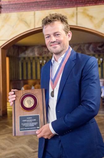Esben Østergaard, Mitbegründer und Chief Technology Officer von Universal Robots, wurde mit dem Engelberger Robotics Award ausgezeichnet. Der Award gilt als weltweit wichtigste Auszeichnung im Bereich der Robotik.