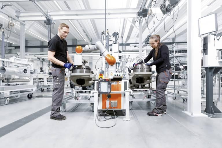 Auf der Automatica werden die Themen Cobots und Mensch-Roboter-Kollaboration bei Roboterherstellern aus aller Welt im Mittelpunkt stehen.