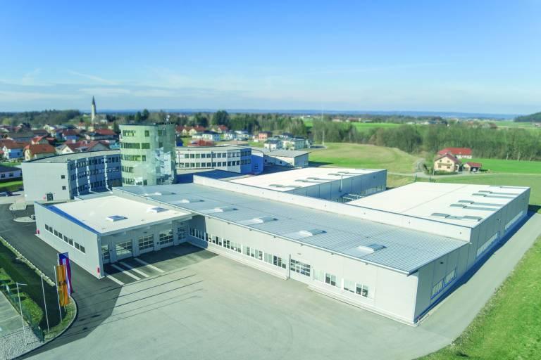 B&R hat am Standort Gilgenberg zusätzliche Büroarbeitsplätze, Produktionsflächen und Schulungsräume geschaffen.