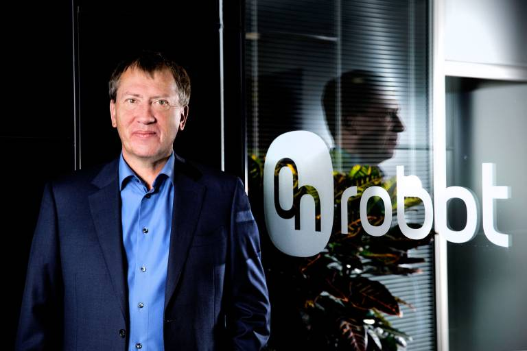 Enrico Krog Iversen, ehemaliger CEO des branchenführenden Cobot-Pioniers Universal Robots, stellt sich gemeinsam mit dem Danish Growth Fund durch die Fusion dreier innovativer Greifsystem-Unternehmen der nächsten Herausforderung in der Automatisierungstechnik.