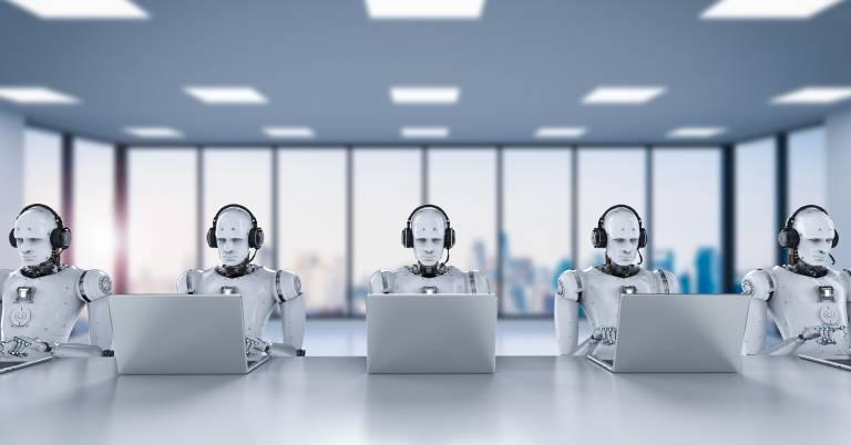 Innerhalb der nächsten fünf Jahre werden voraussichtlich 41 Prozent der Backoffice-Arbeiten von Robotern übernommen werden können. Innerhalb der nächsten zehn Jahre werden es sogar 53 Prozent sein.