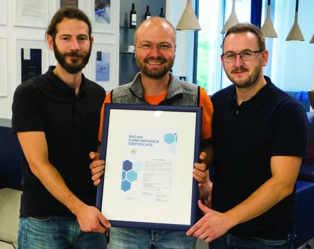Das Copa-Data Projektteam – Helmut Weber, Markus Wintersteller und Lewis Williams (v.l.n.r.) – freut sich über das BACnet-Zertifikat und die Aufnahme von zenon in das internationale BTL-Listing.