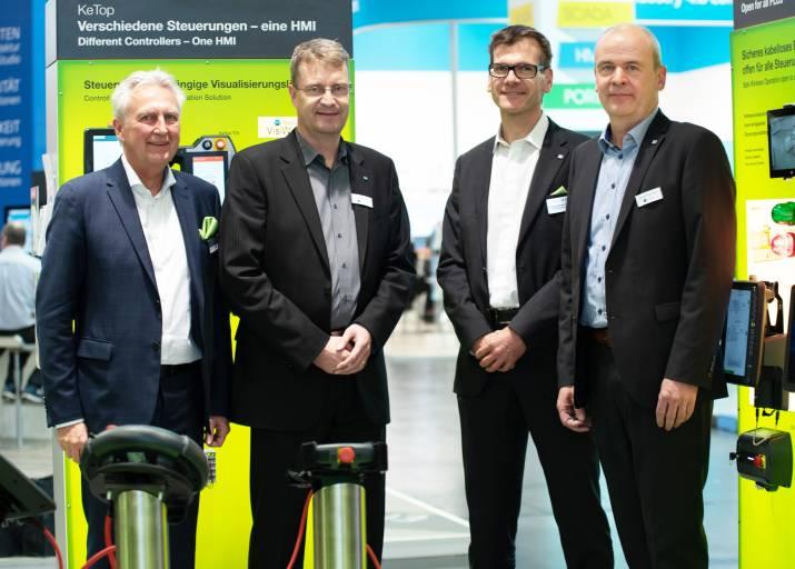 V.l.n.r.: Gerhard Luftensteiner, CEO Keba, Jens Klocke, Geschäftsführer Inosoft, Christian Hüttner, Keba, Stefan Niermann, Inosoft.